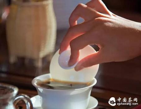 烟焦与霉变的茶不可饮用